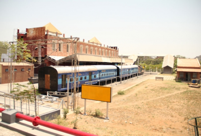 give location details of this Railways Station available for shooting