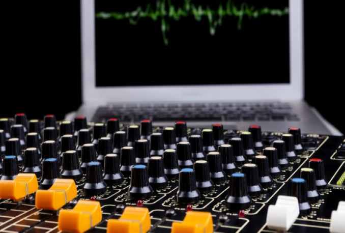 provide an opportunity to work as Sound Mixer
